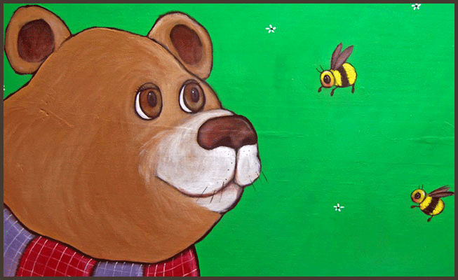 Painting by Lizzie of a bear and bees.